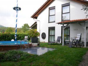 027 Ferienhaus Gebäude mit Pool