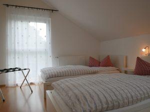 055 Ferienhaus Schlafzimmer 1 Obergeschoss