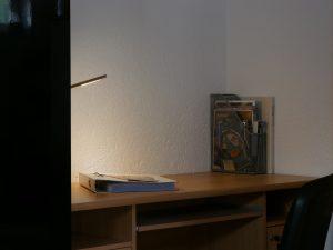 095 Apartment Schreibtisch